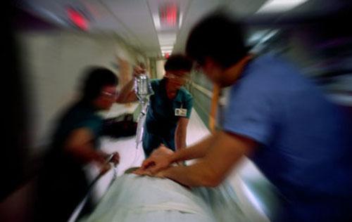 """""""Efeitos colaterais"""" da Pratica Médica em seus Profissionais"""